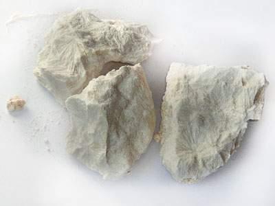 3 кусочка каменного масла